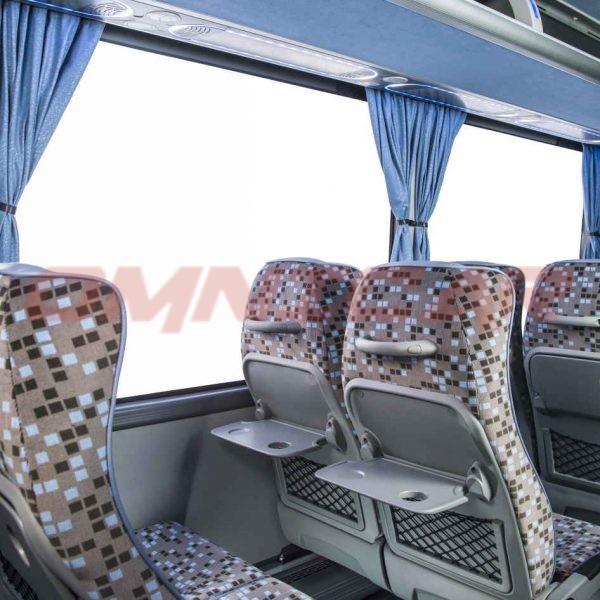 Isuzu Novo Ultra Midibus minibus kleinbus 28 Sitzplätze