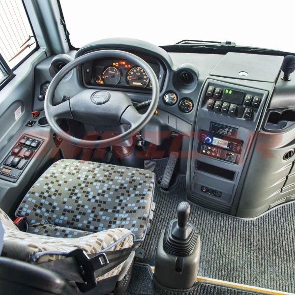 Isuzu Novo Ultra Midibus minibus kleinbus 24 Sitzplätze