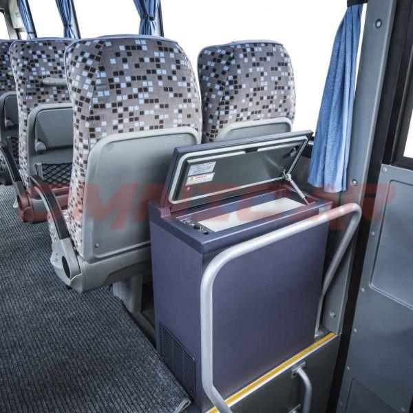 Isuzu Novo Ultra Midibus minibus kleinbus 25 Sitzplätze