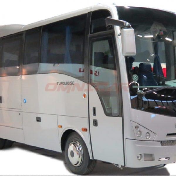 Isuzu Turquoise Interurban mit 33 Sitzplätzen und 6 Stehplätzen