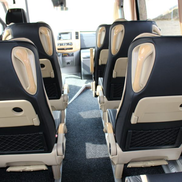 neuer kleinbus minibus mercedes sprinter 519 cdi 21 pl tze. Black Bedroom Furniture Sets. Home Design Ideas