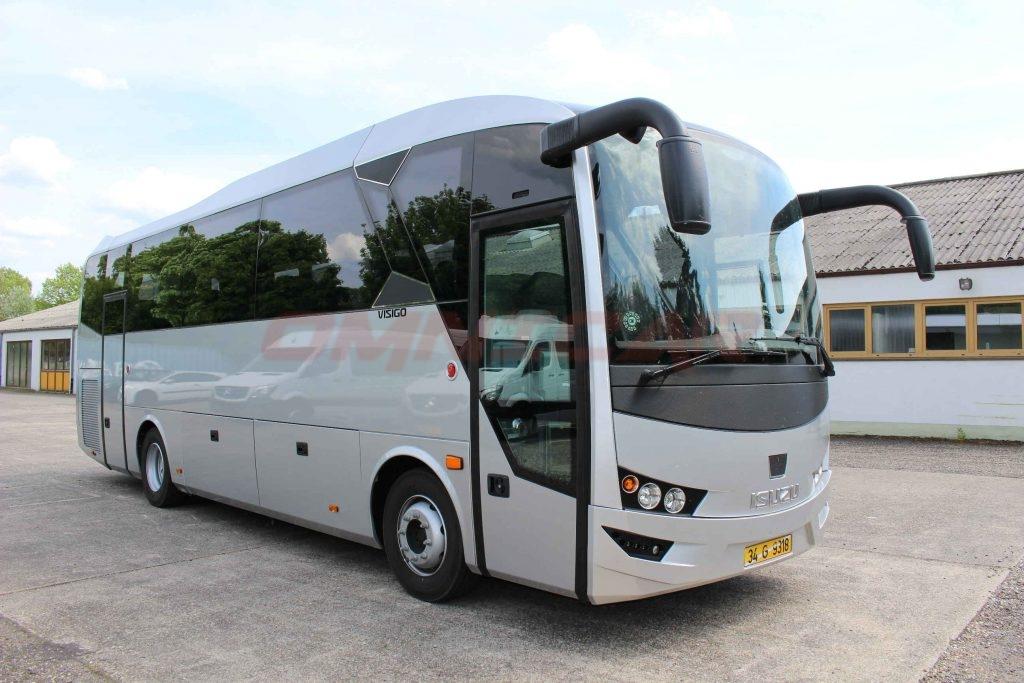 Omnicar und Isuzu Busse auf der RDA Messe in Köln 5-6 Juli 2017 Midibus Isuzu Visigo 35 Sitze Tourismusversion