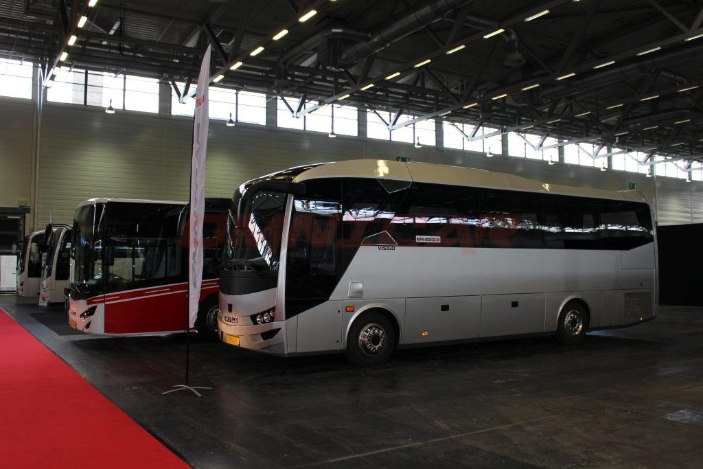 Midibus Tourismus Omnicar GmbH und Isuzu Bus auf der busworld kortrijk 2017 mit 1.500 m2 - Stand Halle 1- Stand nr. 107