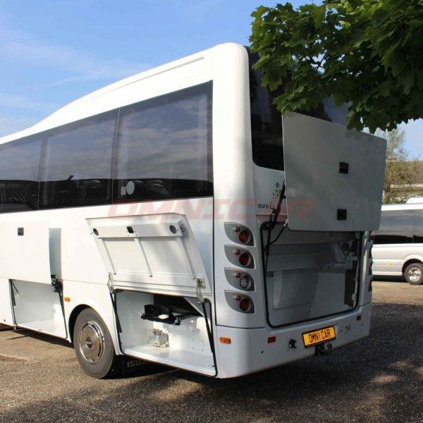 neue Midibus Isuzu 31+1 Sitzplätze Gepäckraum Kapazität 3,6 m³