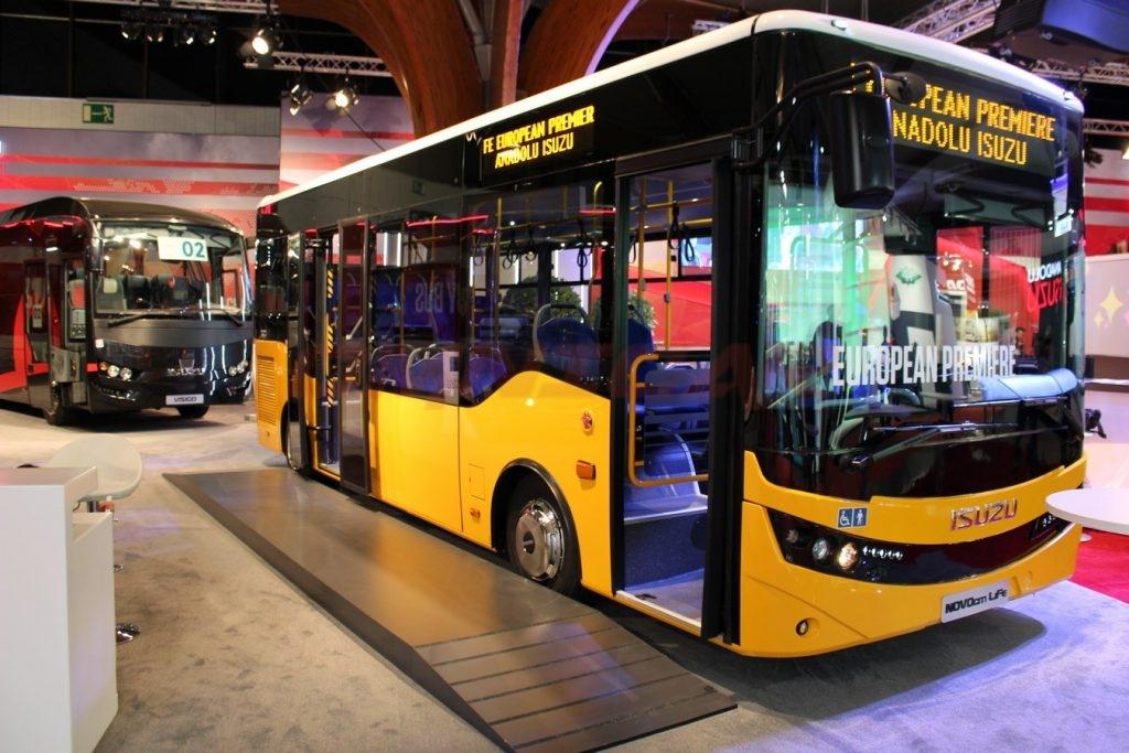 Omnicar Isuzu Novo City Life eine Gesamtlänge von 8 Meter und einer Breite von 2,5 Meter, Low Entry, Zwei Pneumatische Türen und Platz für 60 Fahrgäste besitzt