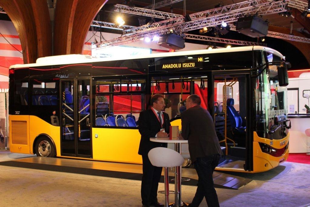 Omnicar Isuzu Bus 8 Meter Stadtbus, Low Entry, Zwei Pneumatische Türen und Platz für 25+35