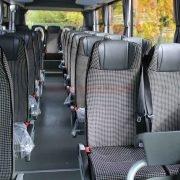 Isuzu Novo 27 Verstellbare Sitze aus Velours Omnicar GmbH (1)