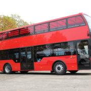 Bus panoramiques à double étage Open top cabriolet toit amovible en bâche basculant Omnicar Gmbh